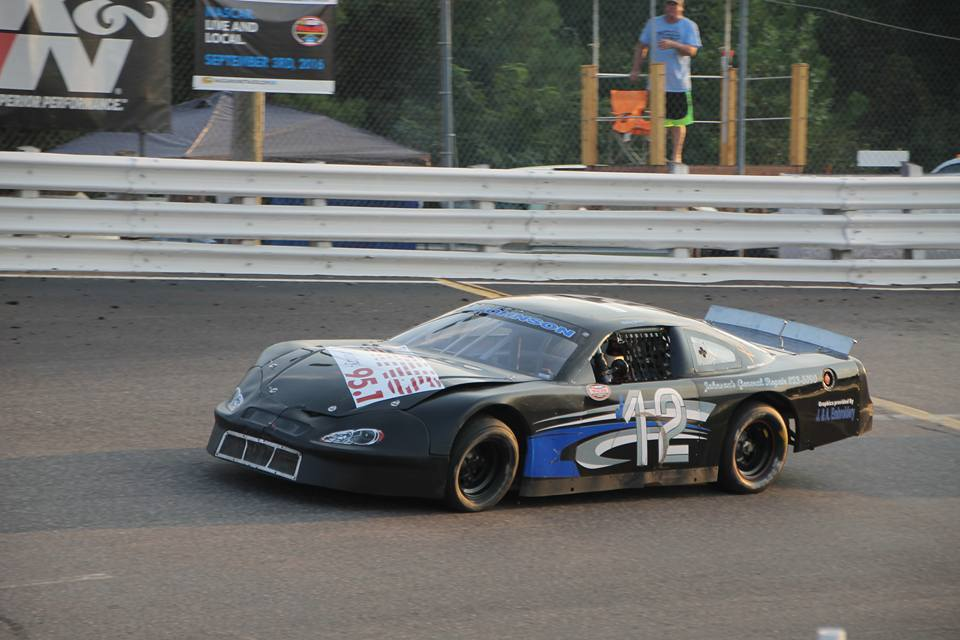Wesley Johnson strikes first at East Carolina Motor Speedway | Short Track Scene